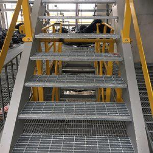 Bậc cầu thang grating-1