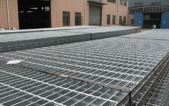 Hàn Việt - Đơn vị cung cấp tấm sàn grating mạ kẽm tại xưởng